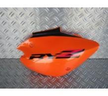 Zijkap oranje rechts